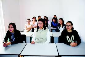 入学に関する表現  例文(2)  Me inscribo en una escuela de idiomas.