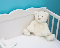 出産する  例文(3)  Es un bebe recien nacido.