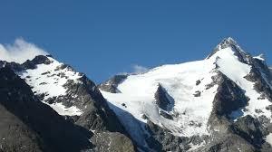 山へ行く  例文(3)  Cuidado con el mal de altura.