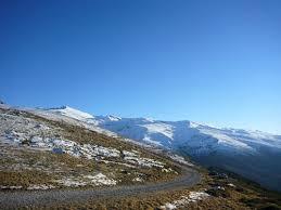 山へ行く  例文(1)  !Vamos a la montan~a!