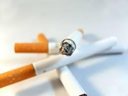 喫煙に関する表現  例文(1) !No fumes aqui!