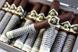 喫煙に関する表現  例文(2)  Yo soy fumador.