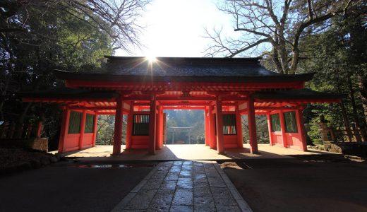 神社仏閣の表現  例文(1)   Hay muchos templos en Japon.