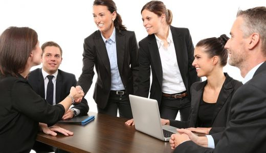 上司、部下に関する表現  例文(2)  Mis empleados trabajan muy bien.