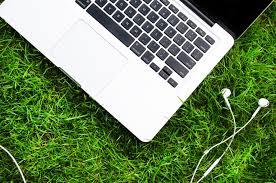 テレワークに関する表現  例文(3)  ?Tienes conexion a Internet en tu casa?