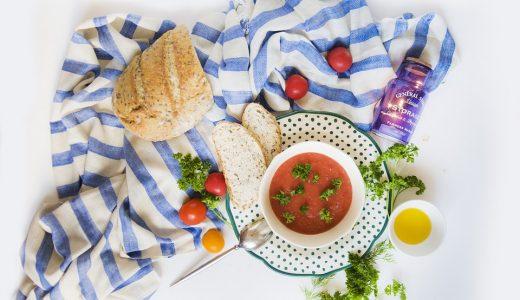 夏のイベント  例文(2)  El gazpacho es un plato tipico del verano.