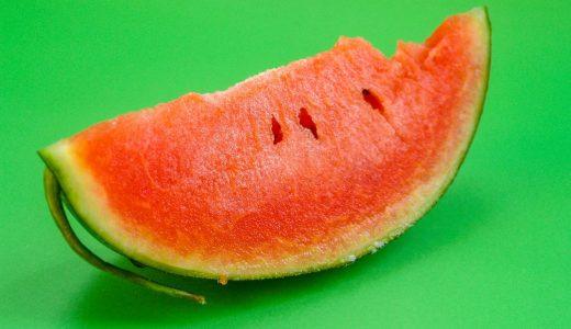 夏のイベント 例文(1)  La sandia es muy deliciosa en verano.